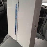 Photo taken at Apple Store, Sagemore by 🏈Chris P🏈 on 5/21/2012