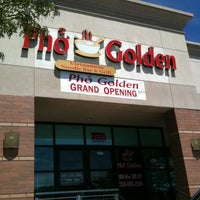 Photo taken at Pho Golden by Alan N. on 8/18/2011