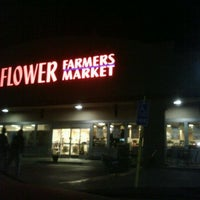 Photo taken at Sprouts Farmers Market by E- C. on 11/11/2011