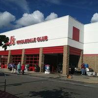 Photo taken at BJ's Wholesale Club by Tess B. on 7/29/2012