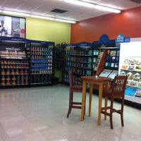 Photo taken at Sherwin-Williams Paint Store by Edward R. on 5/9/2012