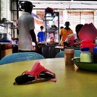 Photo taken at Restoran Sri Rezeki by Bros™ on 8/23/2012