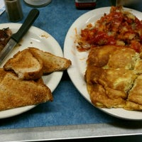 Photo taken at Mickey's Diner by Doua L. on 4/7/2012