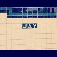 Photo taken at MTA Subway - Jay St/MetroTech (A/C/F/R) by Mis Ter B. on 9/5/2012