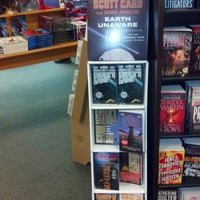 Photo taken at Barnes & Noble by Thaddeus F. on 7/13/2012