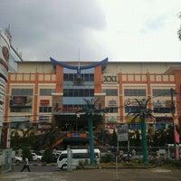 Photo taken at Bandung Trade Centre - BTC Fashion Mall by agis andi fafa on 9/14/2011
