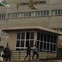Photo taken at Tribunal Regional Eleitoral do Paraná by Fernando 🐜 on 7/30/2012