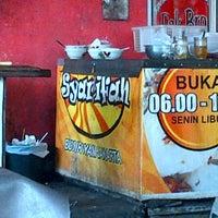 Photo taken at Bubur Ayam Syarifah Jakal by Benny M. on 9/13/2012