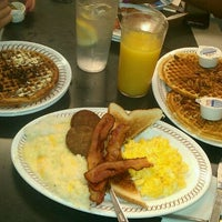 Photo taken at Waffle House by Queen Kitty K. on 9/2/2011