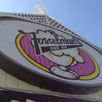 Photo taken at Fosselman's Ice Cream Co. by El Batman D. on 4/8/2012