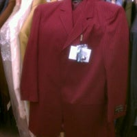 Photo taken at Hollywood Suit Outlet by Ray R. on 8/20/2011
