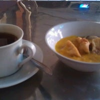 Photo taken at Hotel Central Manado by Zainull A. on 11/20/2011