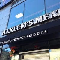 Photo taken at Harlem's Meat by Fidan on 8/29/2012