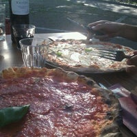 Photo taken at Pizzeria Trattoria Pazzo by Le Baft on 5/26/2012
