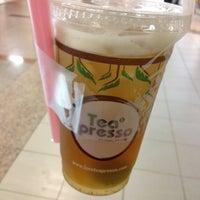 Photo taken at Teapresso by ♚ Diana ♚ on 6/17/2012
