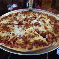 Photo taken at Pearl Street Pizzeria & Pub by Ben R. on 6/27/2012