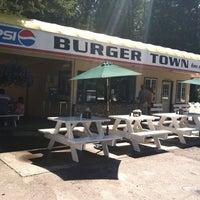 Photo taken at Burger Town by Scott H. on 8/6/2011
