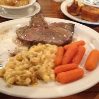 Photo taken at Cracker Barrel Old Country Store by Terry E. on 8/3/2012