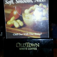 Photo taken at OldTown White Coffee Signature by Alvin S. on 12/23/2011