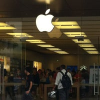 Photo taken at Apple Store, Perth City by Fanny L. on 11/26/2011