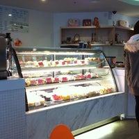 Photo taken at La Couronne Cake Boutique by Joe W. on 9/11/2011