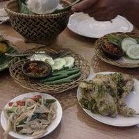 Photo taken at Bumbu Desa by cha c. on 5/10/2012