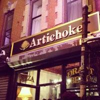 Photo taken at Artichoke Basille's Pizza & Brewery by Darren M. on 7/18/2012