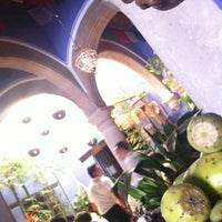Photo taken at Las Chonas by Edo D. on 9/9/2012