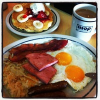 Photo taken at IHOP by Tadeo C. on 7/28/2012