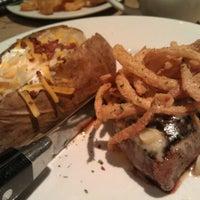 Photo taken at LongHorn Steakhouse by Kristen W. on 9/3/2011