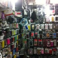 Photo taken at Heera Panna Shop No. 88 by Jayesh G. on 2/21/2012