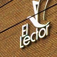 Photo taken at El lector. Librería/Editorial by Dany A. on 6/16/2012