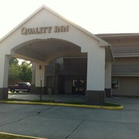 Photo taken at Quality Inn by Tom M. on 6/1/2011