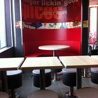 Photo taken at KFC by Vero L. on 7/30/2011