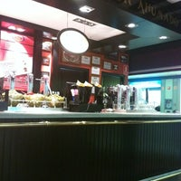 Photo taken at 100 Montaditos by Miguel Angel C. on 3/23/2011