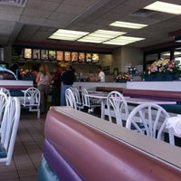 Photo taken at Taco Bell by Marisa B. on 7/12/2011