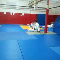 Photo taken at Dojo Club central de Judo by Sandi E. on 9/6/2011