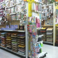 Photo taken at Beverly's Fabric & Crafts by Hunter T. on 10/3/2011