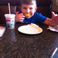 Photo taken at Pizza Hut by Ashley W. on 7/18/2012