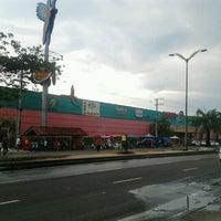 Photo taken at Hiper DB by Rafael V. on 8/12/2012