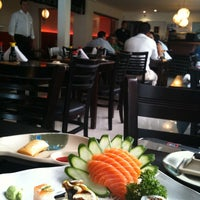 Photo taken at Gattai Sushi by Juliano on 4/7/2011