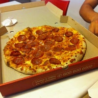 Photo taken at Telepizza by Leo B. on 4/19/2011