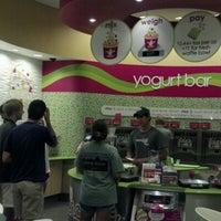 Photo taken at Menchie's Frozen Yogurt by Sarah on 6/28/2012