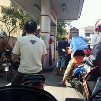 Photo taken at SPBU Pertamina 34-15120 by Bimo N. on 8/29/2011