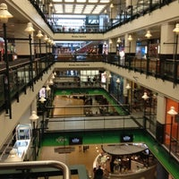 Centre Eaton Montreal Food Court