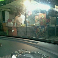 Photo taken at 7 Eleven by Jason Fahmi on 8/22/2011