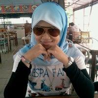 Photo taken at Restoran kawanku bangsar by Azlan S. on 12/24/2011
