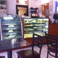Photo taken at Galluzzo Bistro Cafe by Kristian C. on 5/4/2012