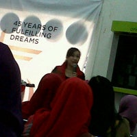 Photo taken at Oriflame Bandung Office by Yusie U. on 7/29/2012