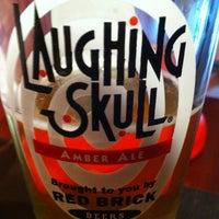 Foto tomada en Red Brick Brewing Company por Alex D. el 6/8/2012